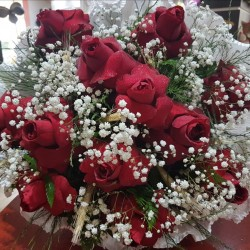 Buque com 12 rosas nacionais luxo
