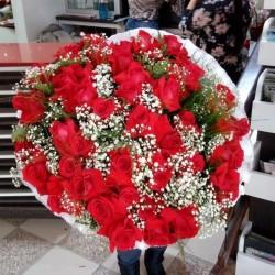 Buque com 50 rosas importadas luxo